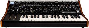 Аналоговый синтезатор Moog Sub 37